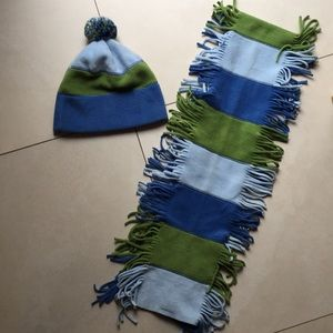 Gap hat and scarf